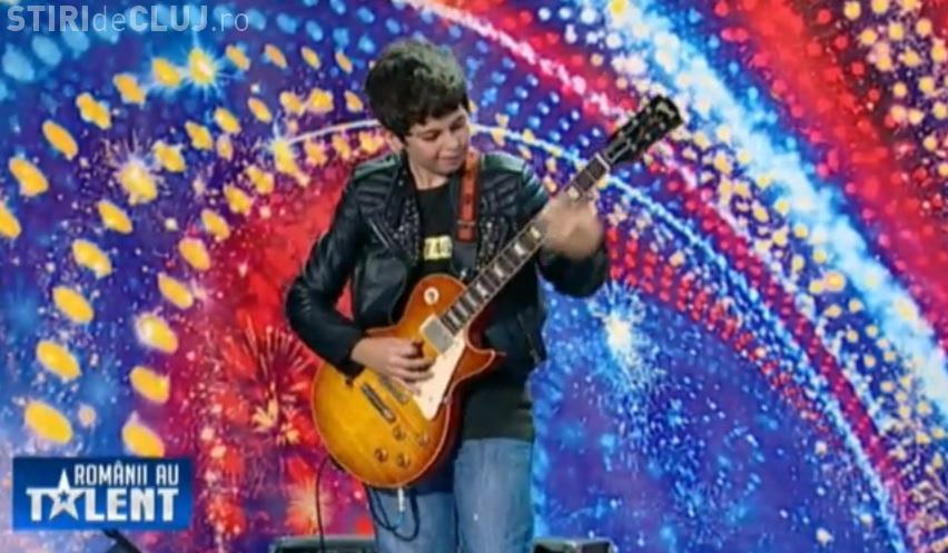 ROMÂNII AU TALENT - Andrei Cerbu, puștiul de 11 ani care a impresionat cu un solo de chitară - VIDEO