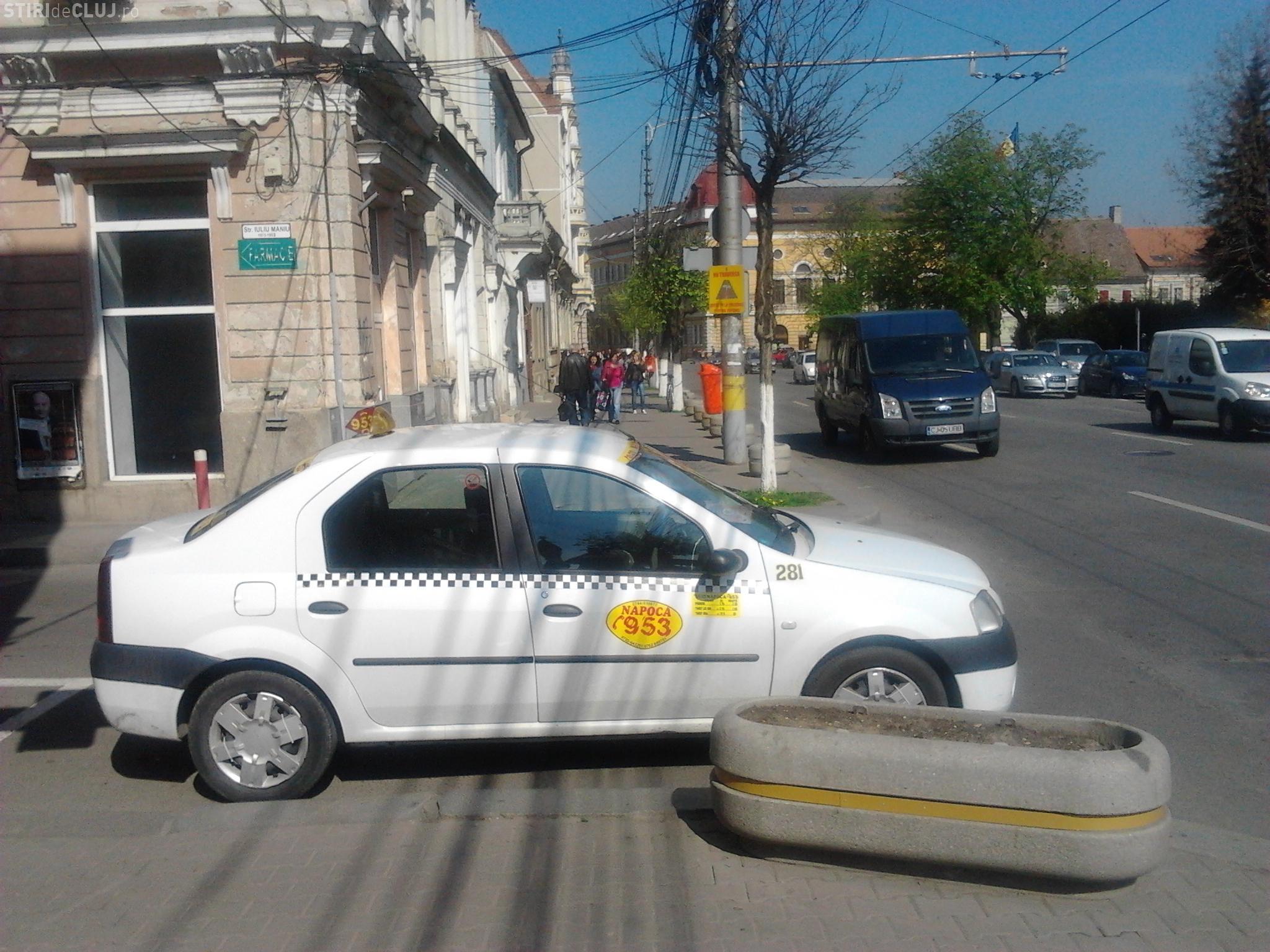 Taximetrist din Cluj cu permis de parcare de la Armată !? - FOTO