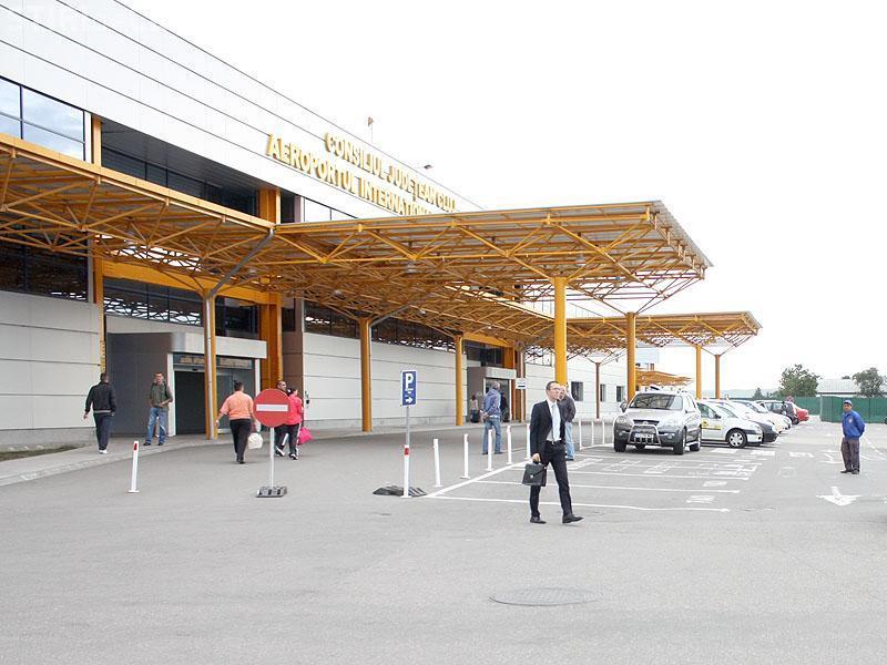 """Seminar despre """"Dezvoltarea infrastructurii de transport intermodal"""" la Aeroportul Cluj"""