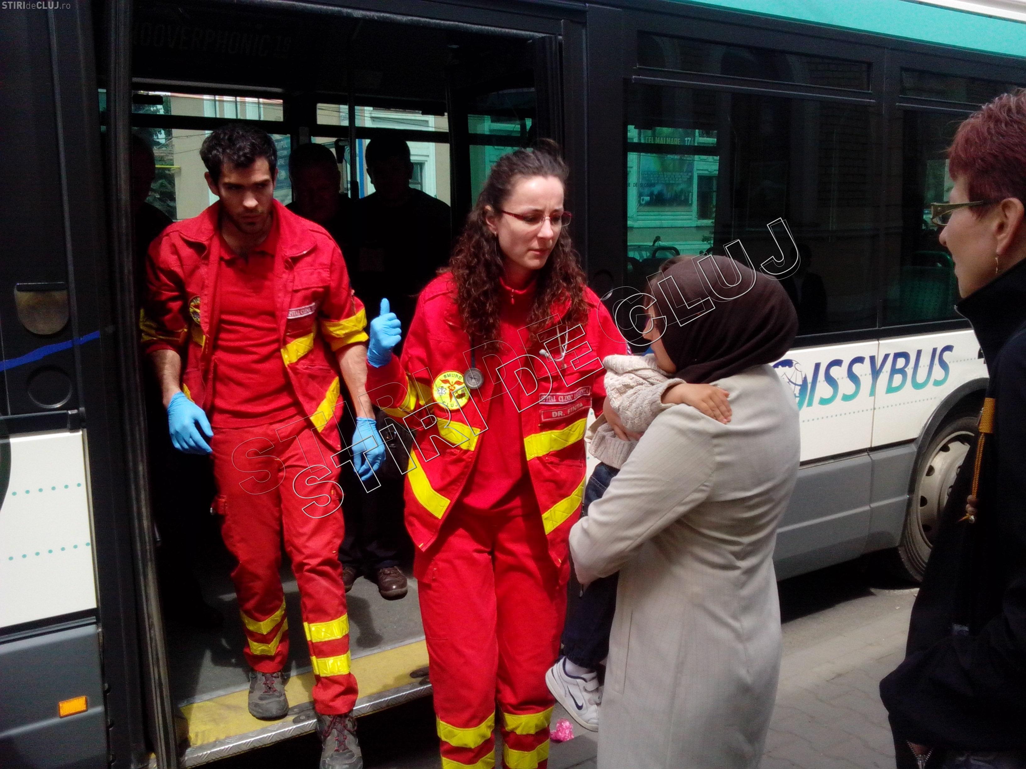 Mămică și copil răniți într-un autobuz RATUC. Ce s-a întâmplat? - VIDEO