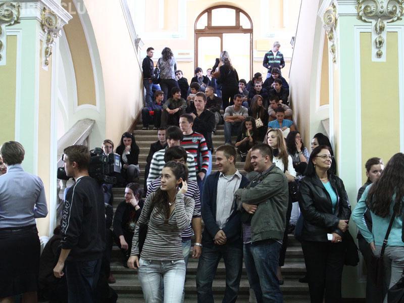 Cine sunt cei mai BUNI profesori de la UBB Cluj în 2014. Studenții i-au ALES!