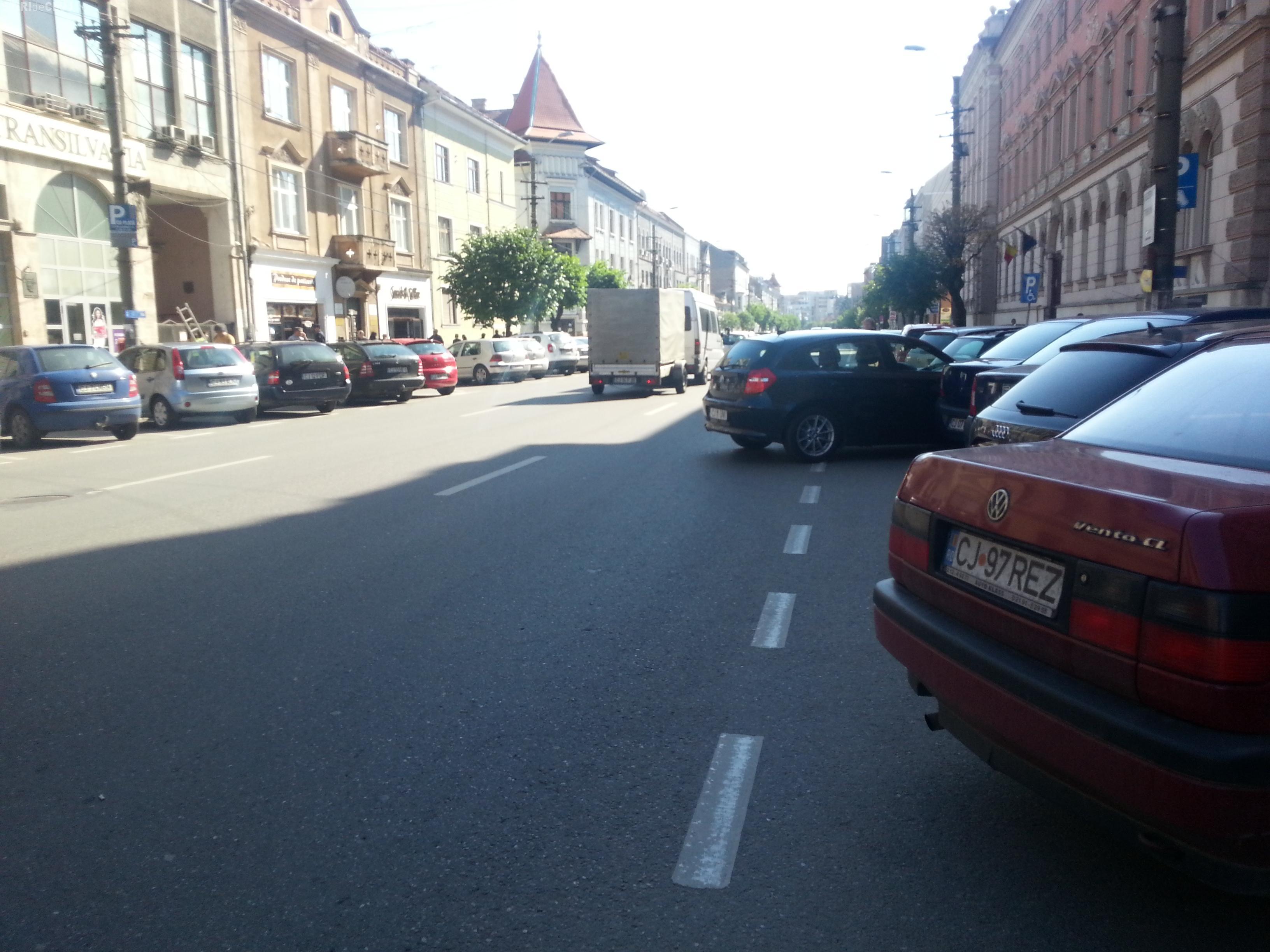 Parcări de cocalari la Tribunalul Cluj - FOTO