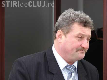 """Consilierul """"scandalagiu"""" Dorel Secară a amenințat cu bătaia un jurnalist. Ludovic Orban a oprit incidentul"""