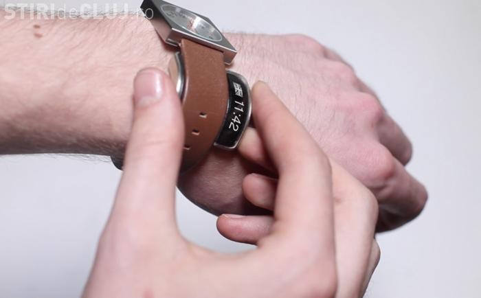 Un accesoriu transformă orice ceas obişnuit într-unul SMART - VIDEO