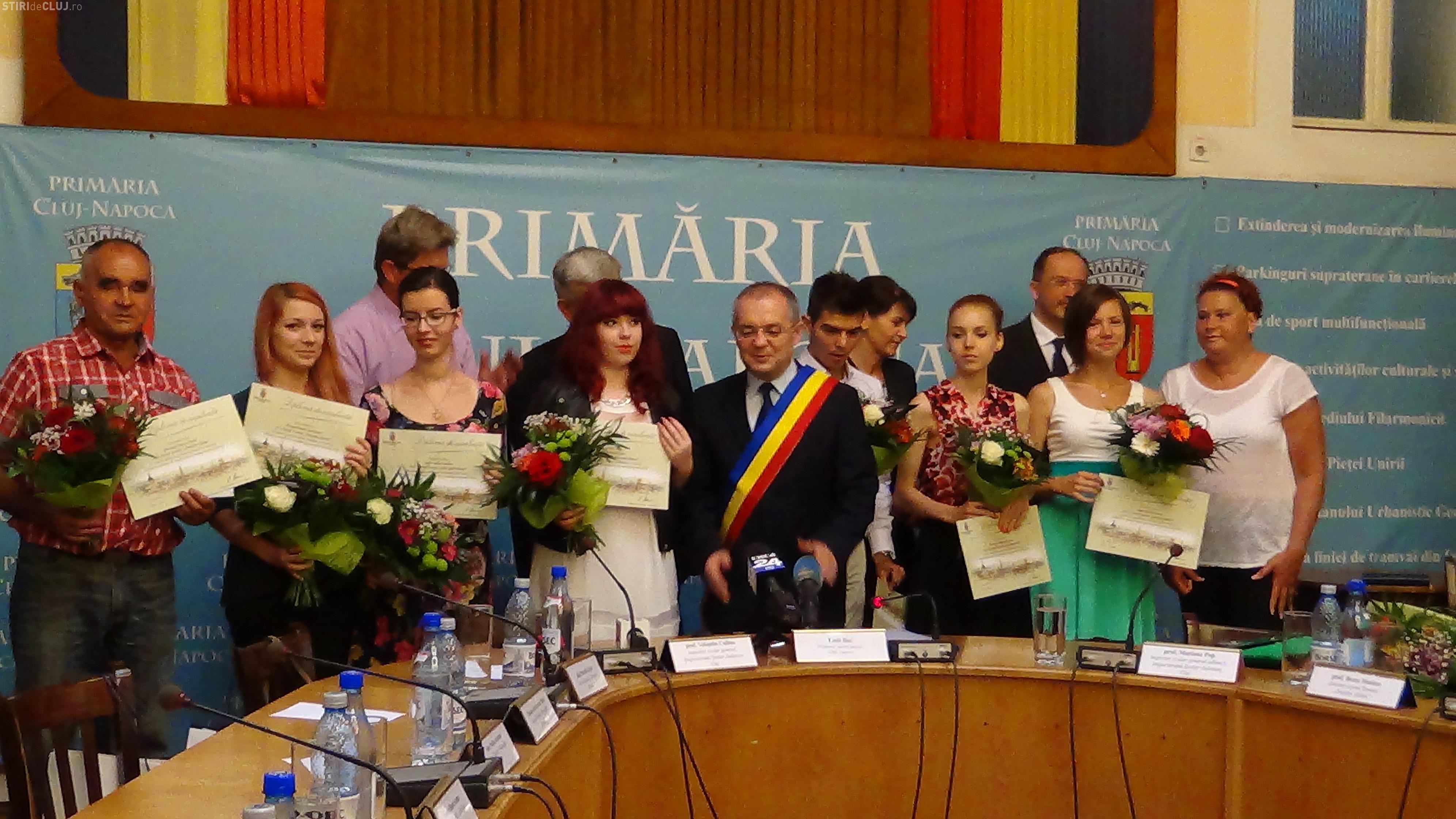 Elevii de ZECE la BAC au fost premiați și de Emil Boc - FOTO