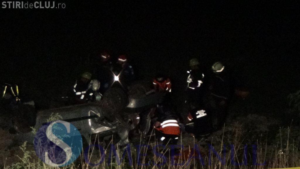 """Accident cu trei morți în localitatea clujeană Mănășturel. Un tânăr a """"zburat"""" cu mașina de la 17 metri înălțime VIDEO"""