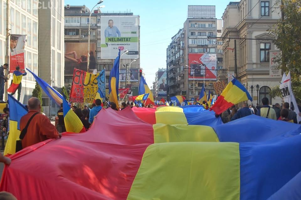 Tricolor de 150 de metri în Piața Unirii din Cluj-Napoca - FOTO