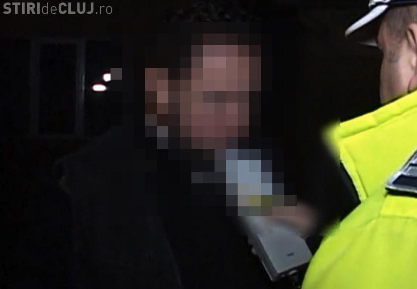 """Un preot din Cluj și-a bătut un consătean pentru că e ungur. Polițiștilor le-a spus că le face """"slujbe negre"""" - VIDEO"""