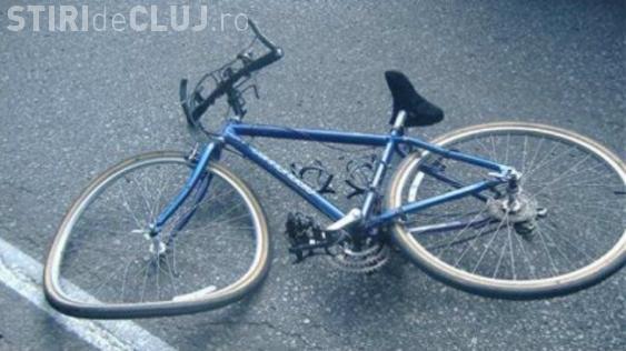 O căruță a trecut peste un biciclist la Cluj. A fost neacordare de prioritate