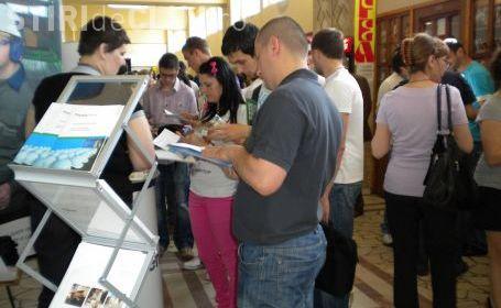 Locuri de munca putine la Bursa Absolventilor de la Cluj! Numai 400 de job -uri pentru tineri