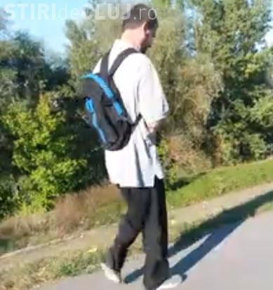 Un bărbat a încercat să își arunce câinele în Someș! O femeie s-a LUPTAT cu el și l-a oprit - VIDEO