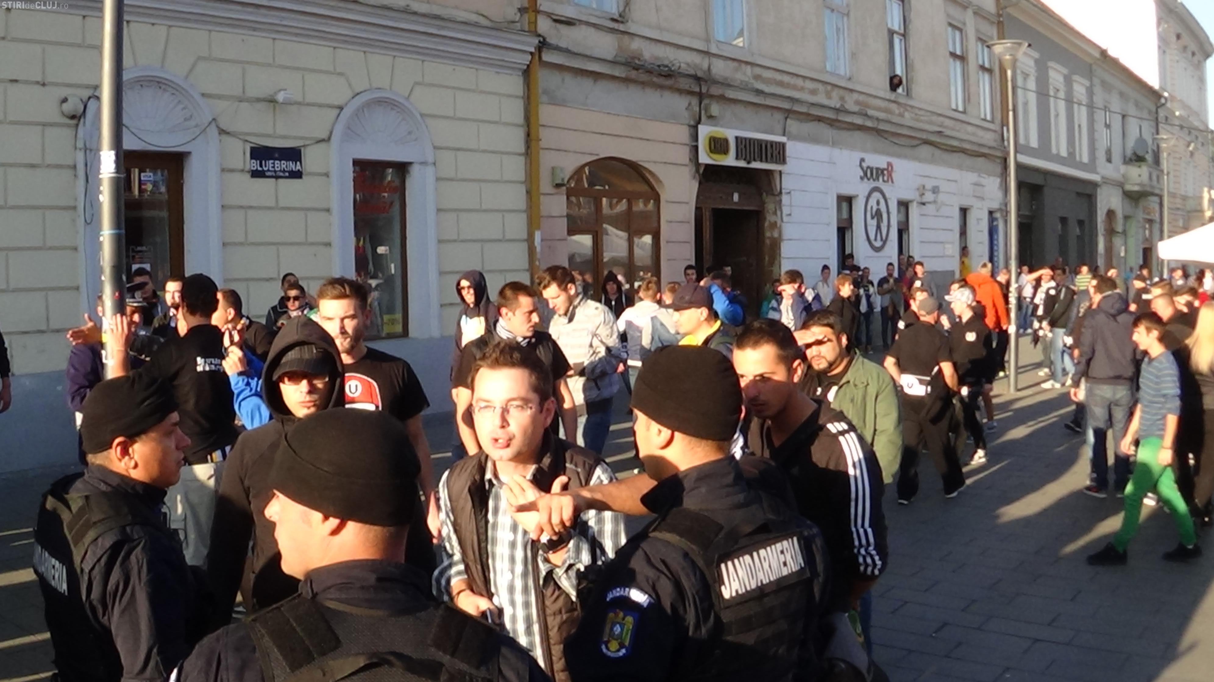 Ziaristul Ionel Lespuc, lovit în altercația suporterilor U Cluj și jandarmi - VIDEO
