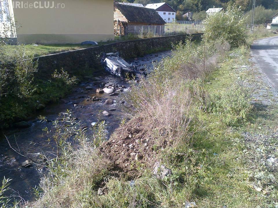 Accident mortal la Măguri Răcătău! Un autoturism a plonjat într-un râu - FOTO