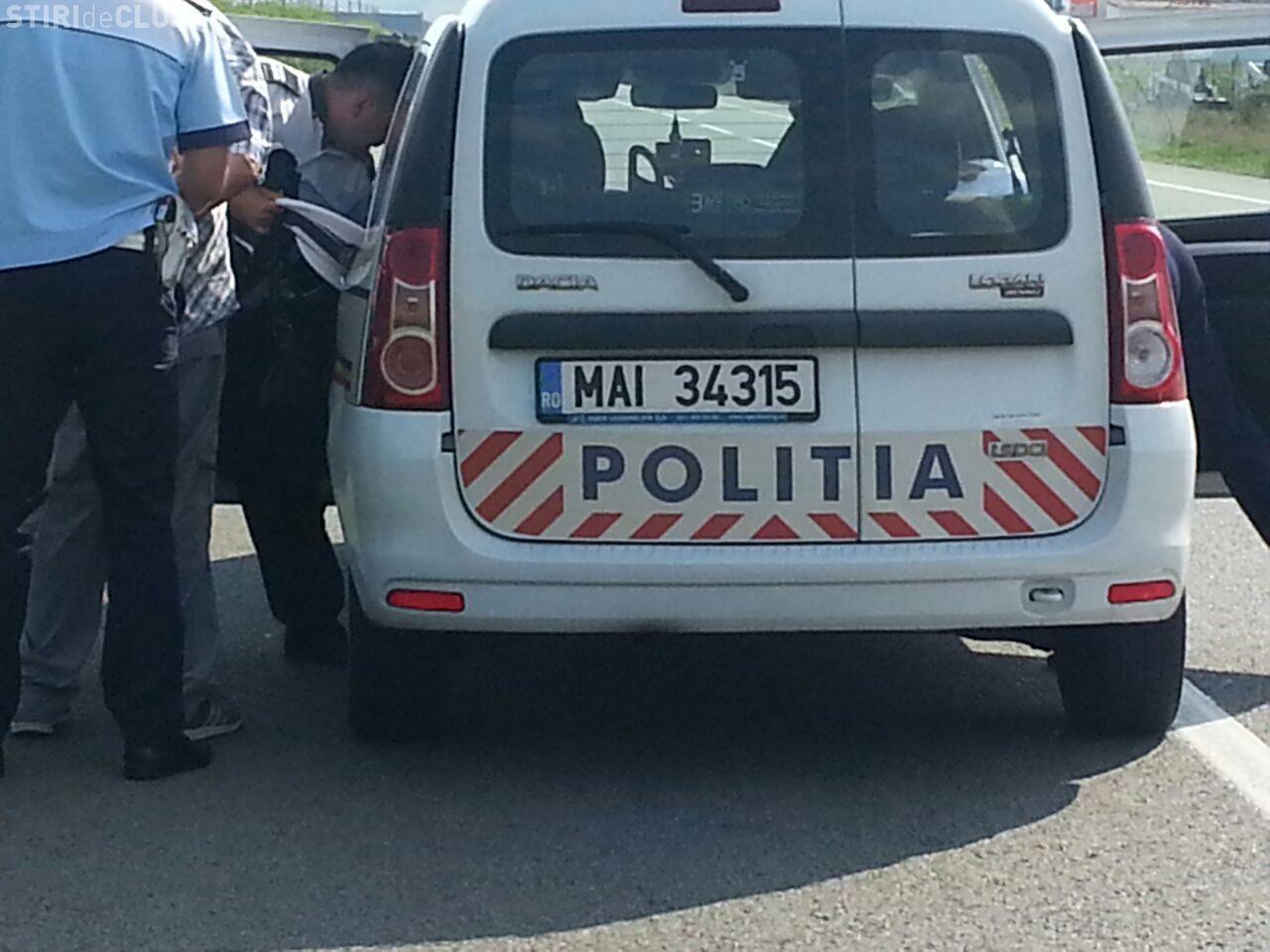 RUȘINE! Doi polițiști din Cluj au BĂTUT doi bătrâni! Șoferului de 78 de ani i-au pus cătușele - FOTO