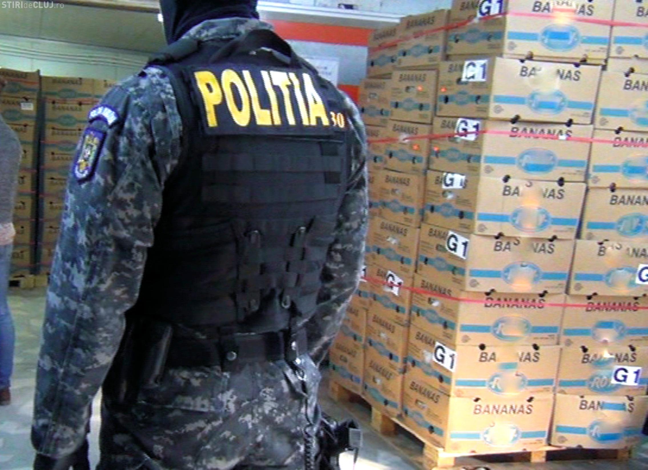 Două persoane reținute la Cluj în urma perchezițiilor la comercianții de banane