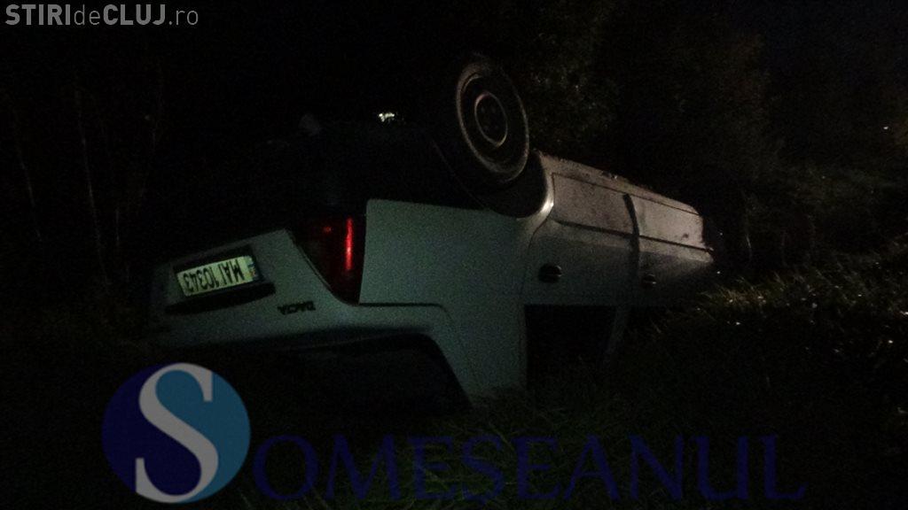 Accident la Jucu: Un polițist s-a răsturnat cu mașina de serviciu - VIDEO