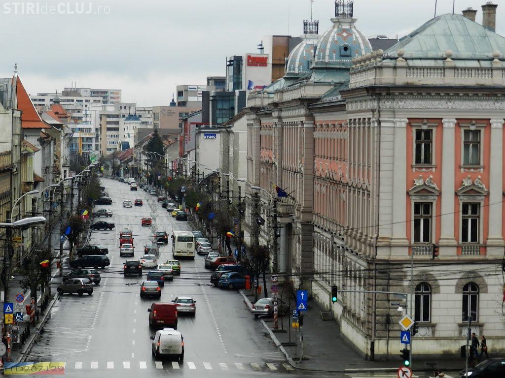 "Pieton ""SPULBERAT"" de un autoturism pe Dorobanților! Traversa strada neregulamentar"