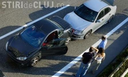 """Accident pe Calea Turzii! Trei mașini s-au lovit, iar traficul a fost """"sugrumat"""""""