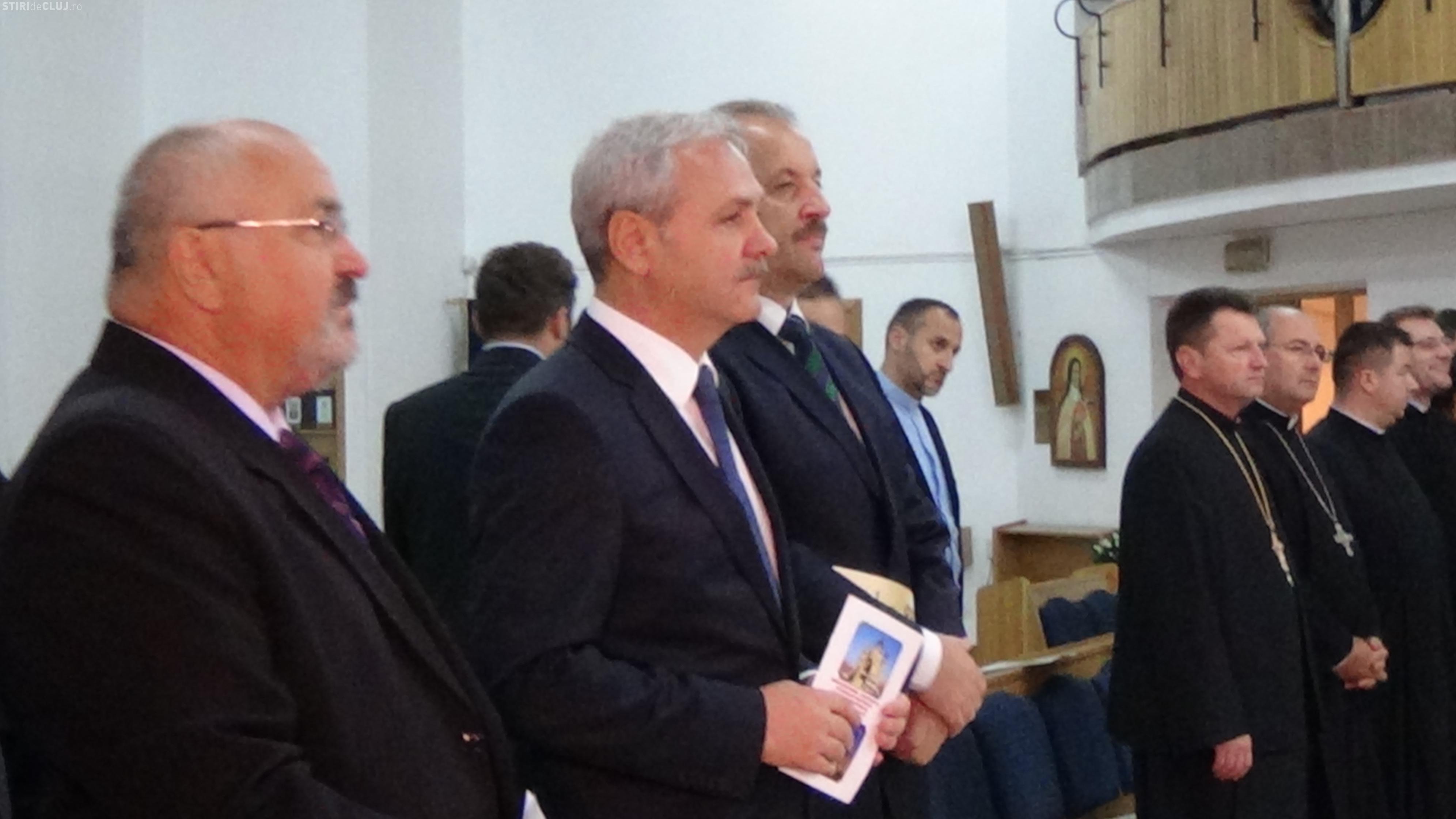 Liviu Dragnea a venit în vizită la catedrala din Piața Cipariu. S-a rugat și a urcat până în vârful construcției VIDEO