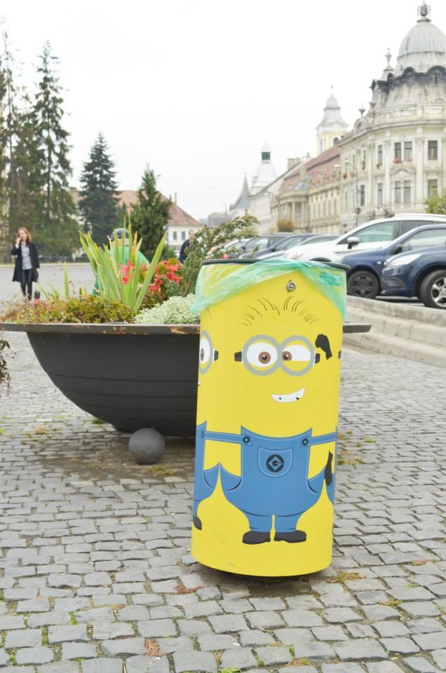 Au colorat Clujul cu o idee simplă, dar de EFECT! Pubele stradale par dintr-o poveste - FOTO