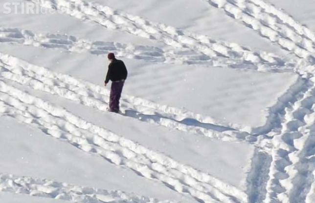 INCREDIBIL ce face acest tip în zăpadă. E un artist - FOTO