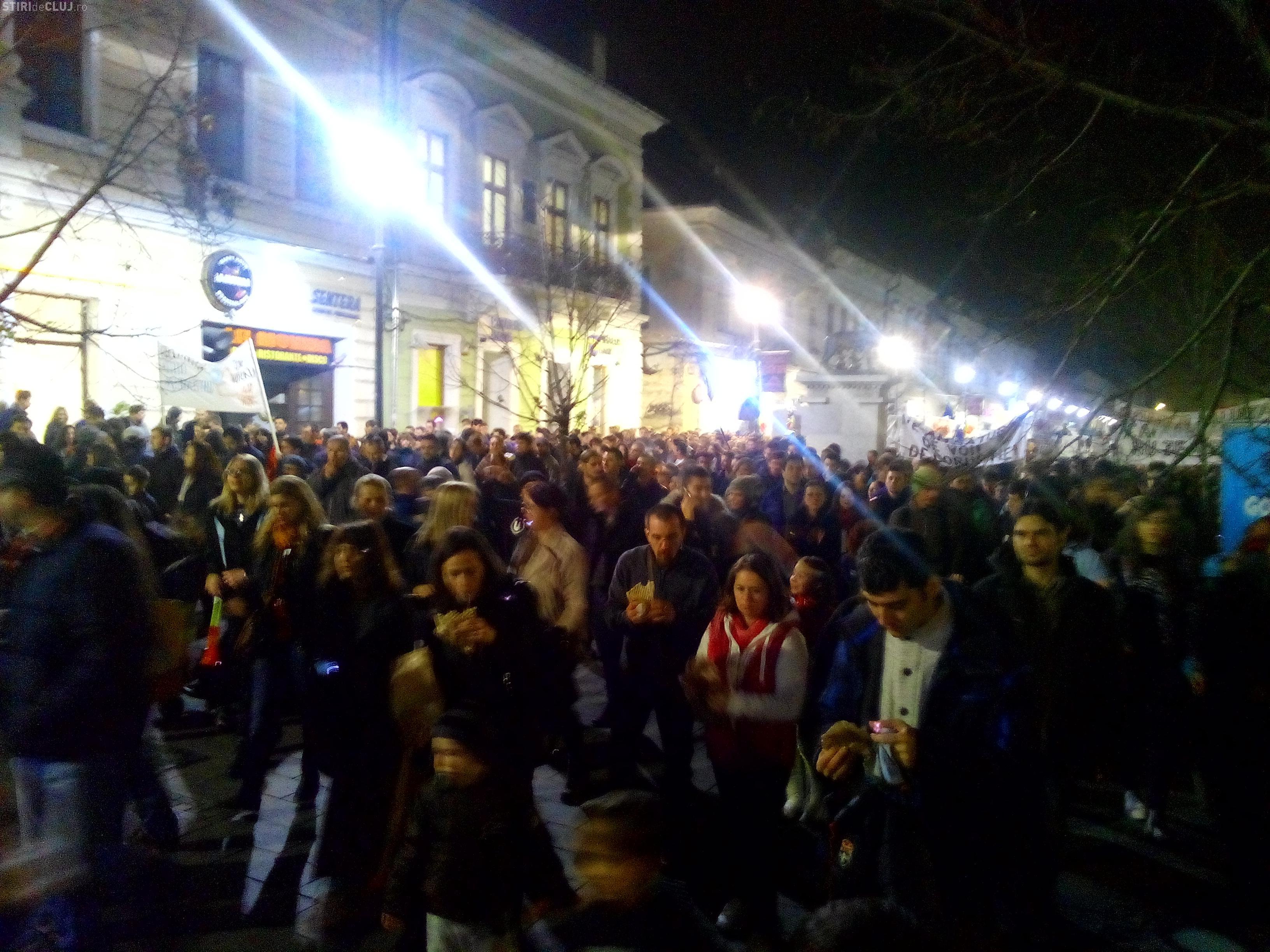 Timelapse cu mulțimea de protestatari anti-Ponta de la Cluj VIDEO