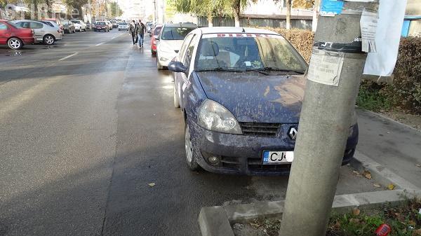 Cum sunt spălate străzile la Cluj-Napoca. Un clujean s-a trezit cu mașina plină de noroi FOTO UPDATE