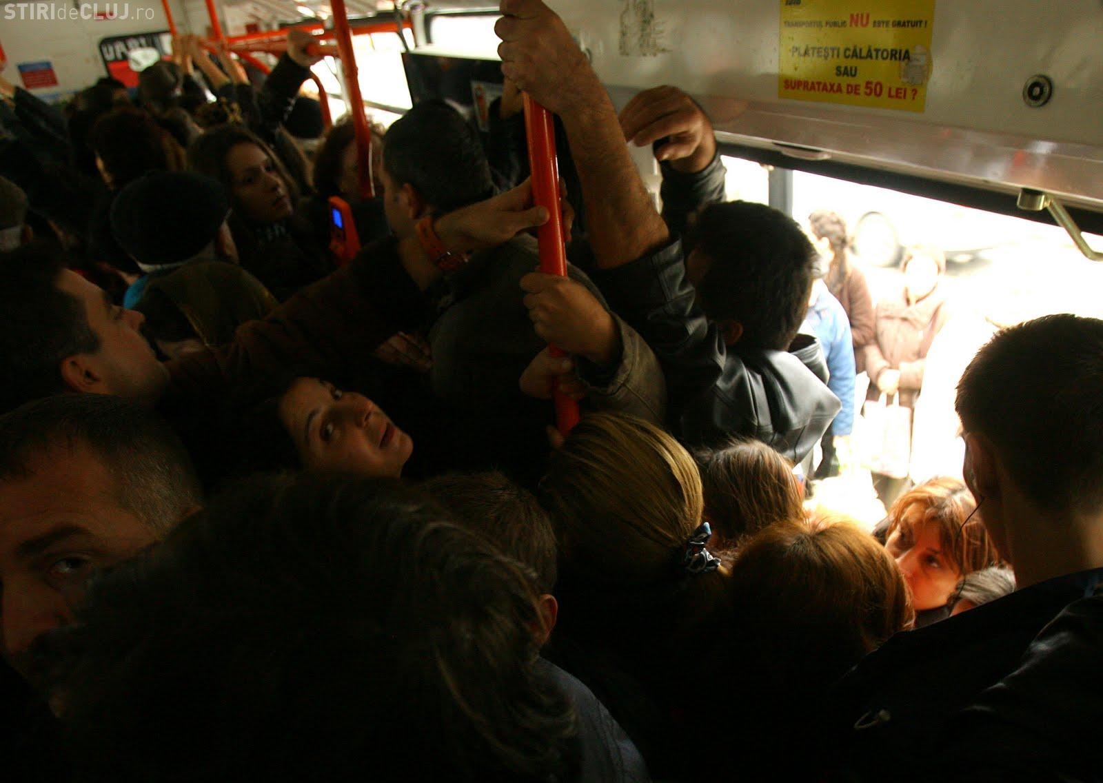 Clujenii cer autobuze mai multe dimineața. Șeful CTP Cluj le spune să își schimbe orarul de lucru