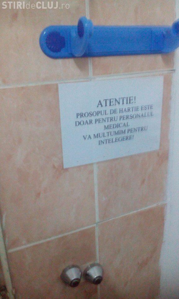 La spitalul de copii din Cluj, pacienții sunt inferiori personalului medical. AFIȘUL RUȘINII - FOTO