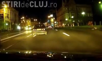 Cum se trece la Cluj cu mașina pe roșu, între benzi, fără nicio jenă VIDEO
