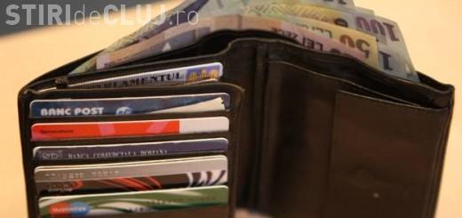 Trei elevi din Cluj au găsit un portofel cu bani și l-au predat poliției