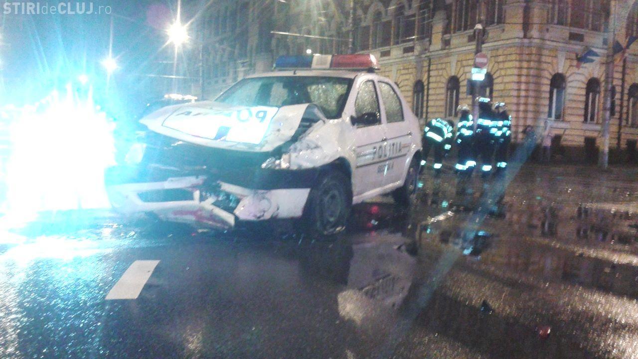 Mașină de Poliție implicată într-un accident la Cluj. Un minor a fost RĂNIT - VIDEO