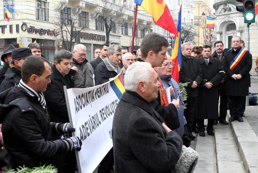 """Revoluționarii din Cluj se ceartă din cauza """"falșilor revoluționari"""". O parte REFUZĂ diplomele acordate de Consiliul Județean Cluj"""