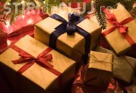 Câți bani dau românii pe cadourile de Crăciun. Vezi și ce daruri vor să primească