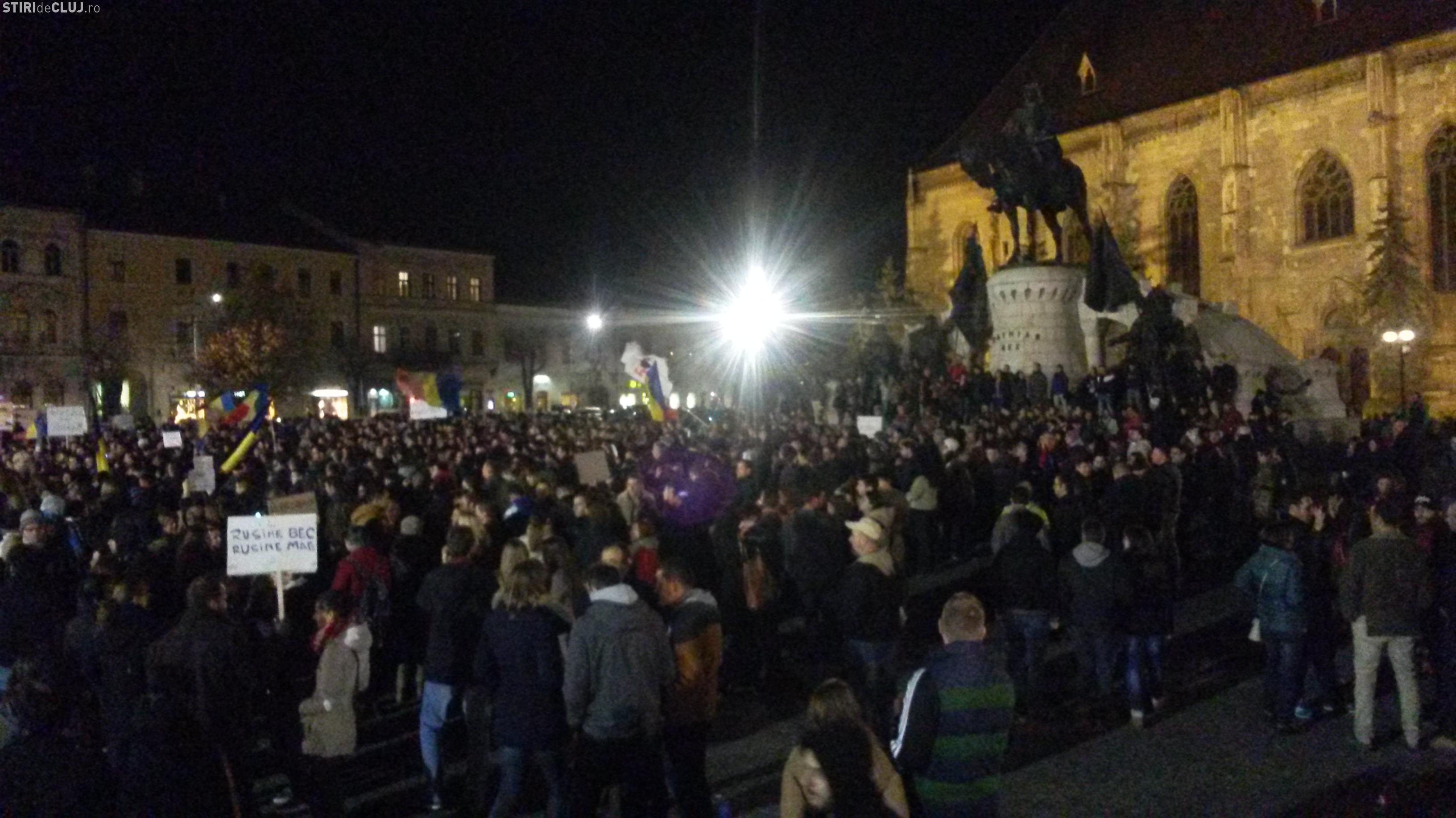 Protest la Cluj, în Piața Unirii, față de LEGEA SECURITĂȚII CIBERNETICE