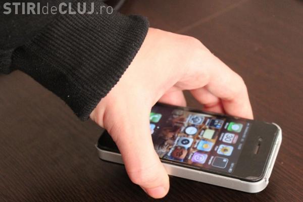 Clujean prins după ce furat un telefon de aproape 800 euro dintr-un bar din centru