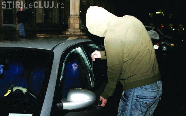 Spărgător de mașini prins la Cluj. Polițiștii nu au recuperat nici jumătate din bunurile furate