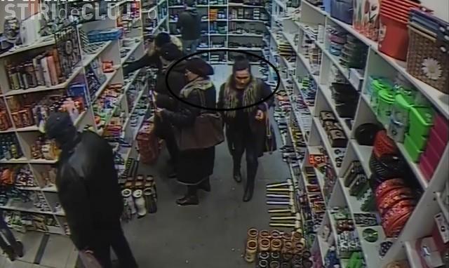 Hoațe profesioniste în acțiune la Cluj! Au furat în 30 de secunde două portofele. Dacă le recunoști sună la 112 - VIDEO