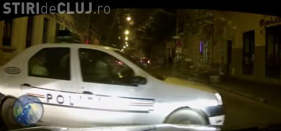 Echipaj de Poliție din Cluj, ironizat pe internet: S-au dezorientat în intersecție VIDEO