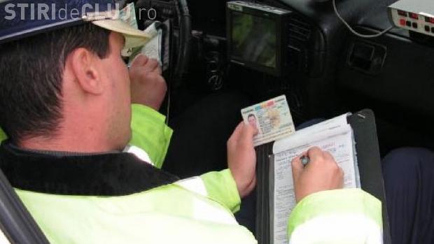 COD RUTIER 2015. Cât e AMENDA pentru șoferii care trec pe ROȘU la semafor