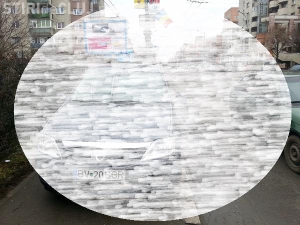 """Parcare """"a la Selgros"""" la Cluj. Vezi cum și-a lăsat un angajat mașina FOTO"""