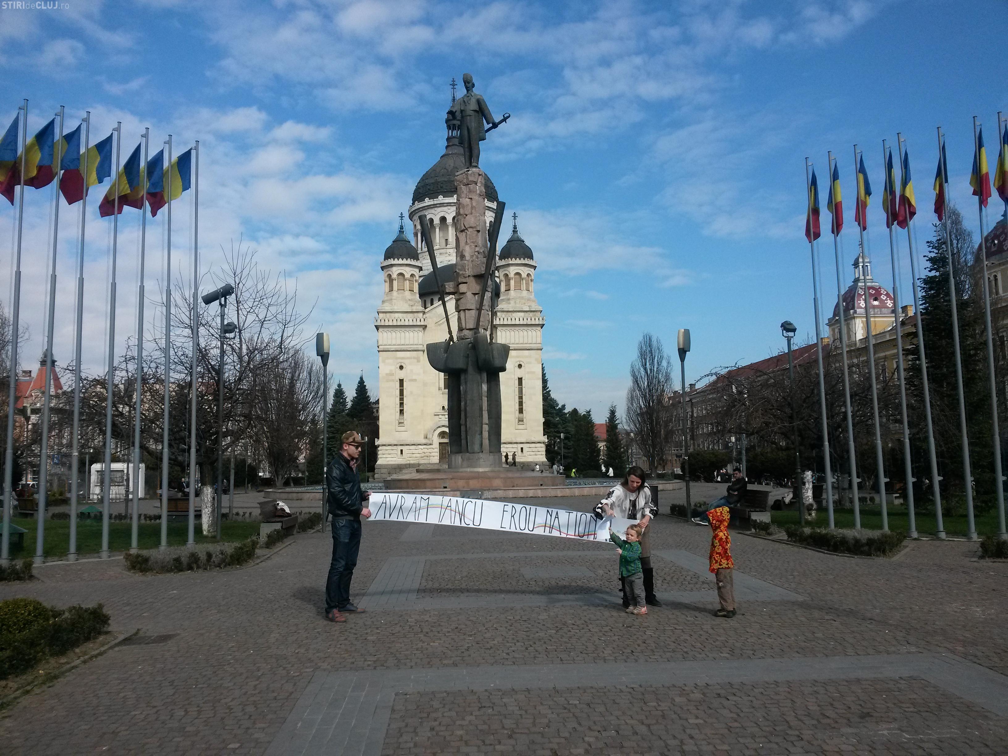"""Flash-mob de susținere a proiectului """"Avram Iancu - Erou național"""" - FOTO"""