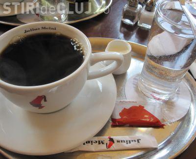 Inspectori ANAF deghizați în clienți au amendat o cafenea de la Polus Center