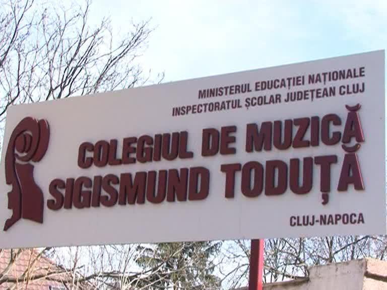 Elev UMILIT la Liceul de Muzică din Cluj. Părinții îi iau apărarea învățătoarei - VIDEO
