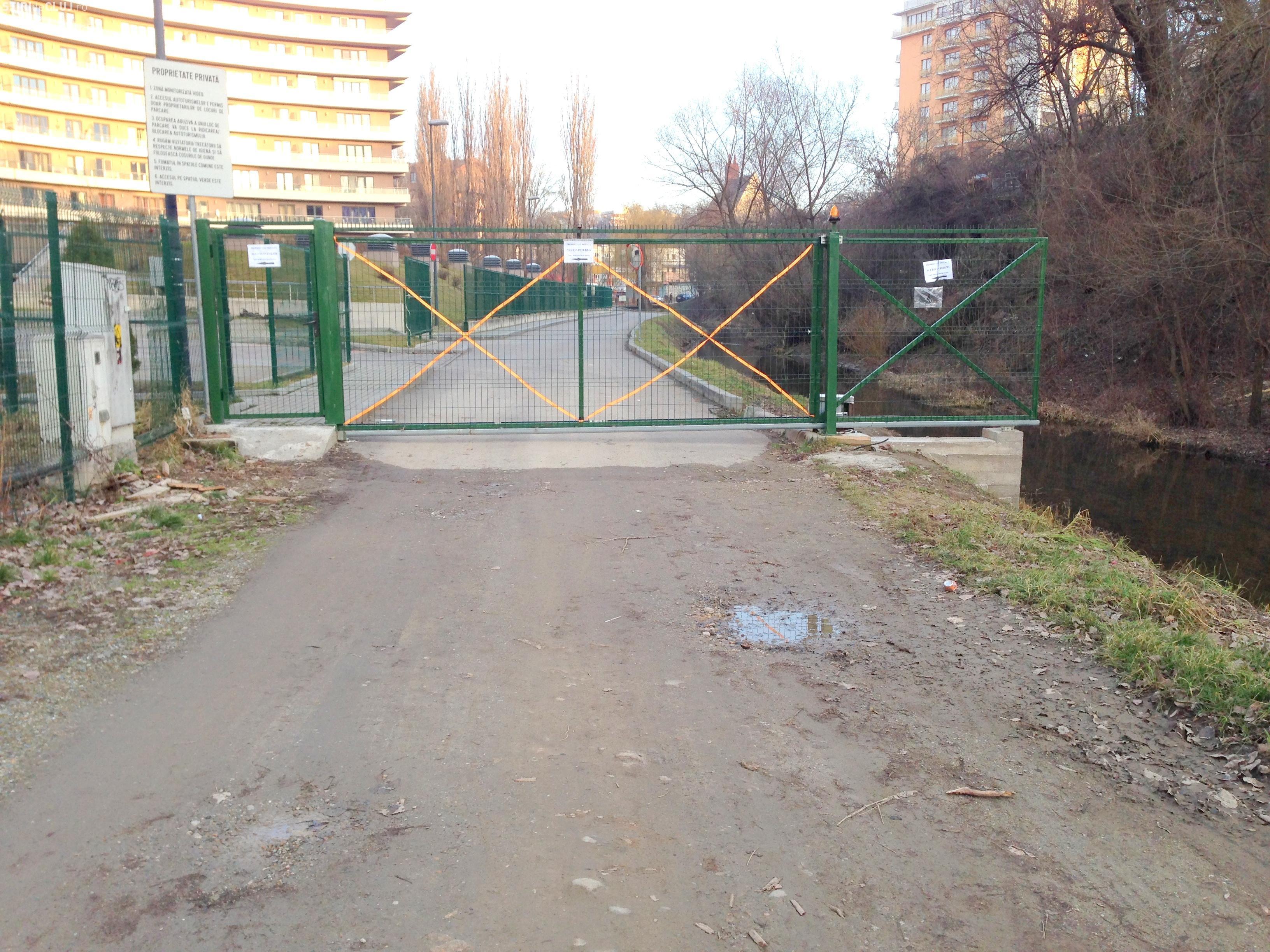 O primă VICTORIE civică la Parcul Rozelor din Cluj-Napoca: A fost demolată poarta care bloca accesul spre parc