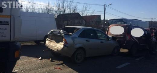 Accident în lanț la intrare în Dej, cauzat de un camionagiu neatent VIDEO