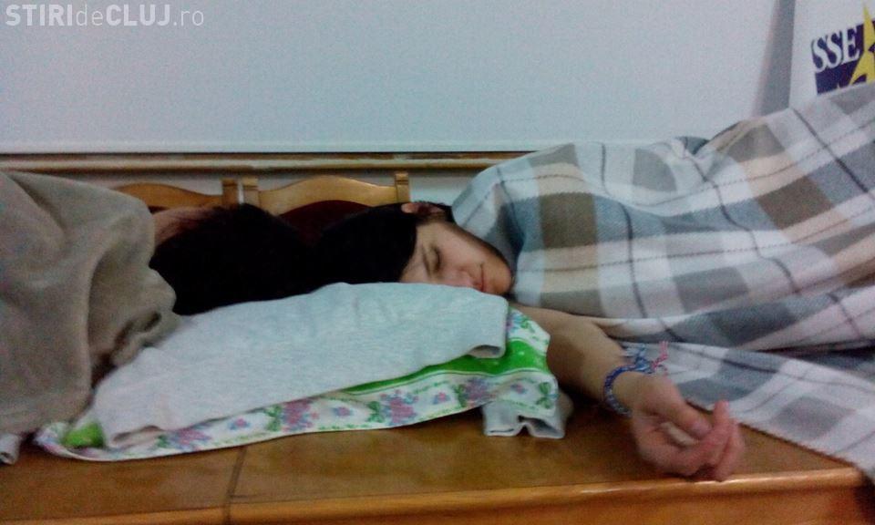 Studenții au OCUPAT UBB Cluj. Au dormit peste noapte în amfiteatru - FOTO