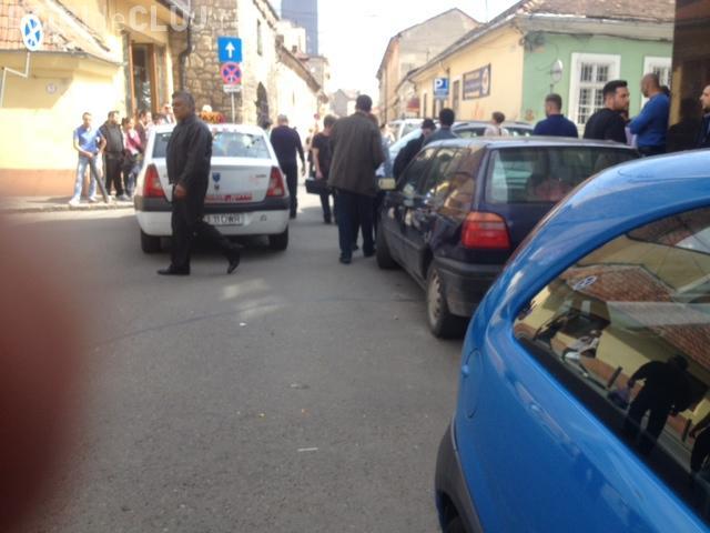 Accident în spate la Central. O șoferiță a intrat cu SUV-ul într-un taximetrist