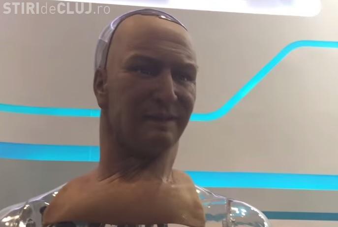 Han - robotul care vorbește și imită expresii faciale - VIDEO