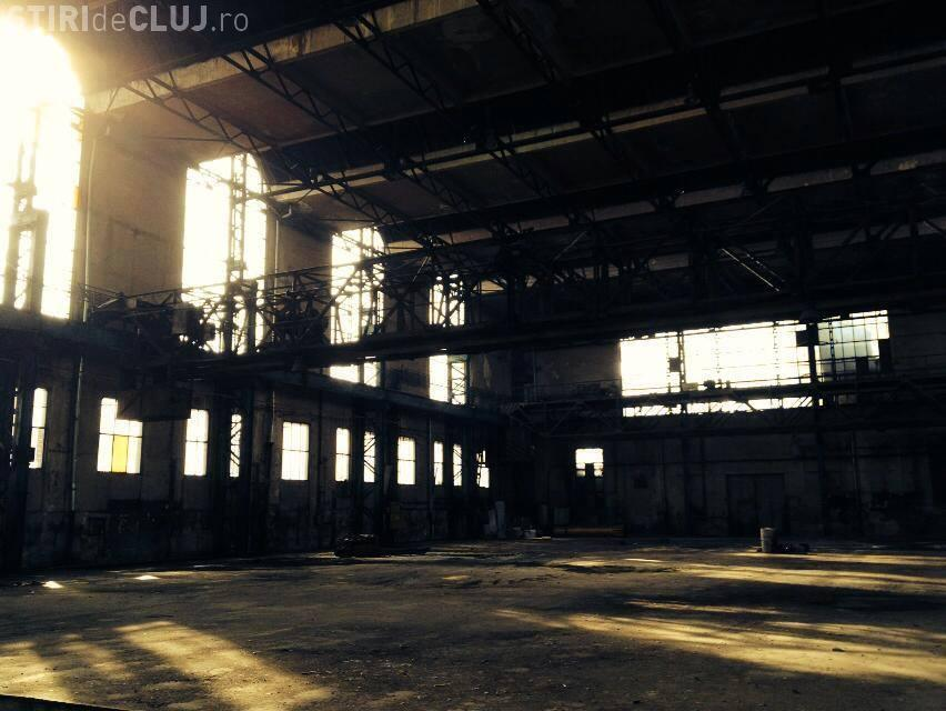 Piesă de teatru jucată la Cluj-Napoca în Hala Remarul, parte din patrimoniul industrial național